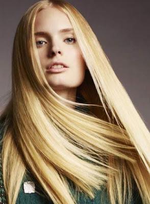 Gaya Blunt Ends rambut panjang wanita 15794500