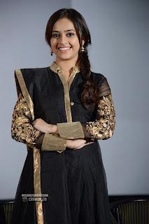 Nagarapuram-Actress-Sri-Divya-Stills