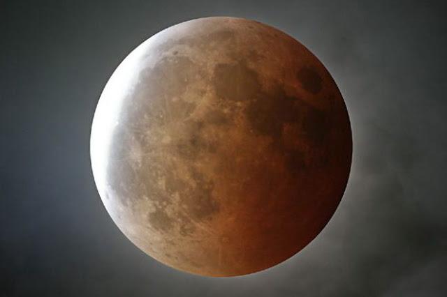 Έρχεται η εντυπωσιακή Υπερέκλειψη της Σελήνης