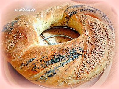 Ciambella di pane al latte intrecciata ricetta pane