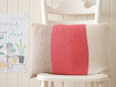 free crochet pattern color block pillow