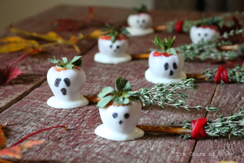 Strawberry Ghosts: The Charm of Home