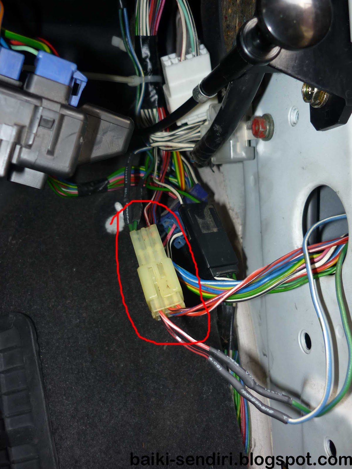 Diy Fix On Your Own Daihatsu L7 Perodua Kelisa Autoflip Suzuki Carry Fuse Box Smart Wiring Diagrams In With Fully Manual Side Mirror Factory Left The Connector Find Suitable Wire And Plug