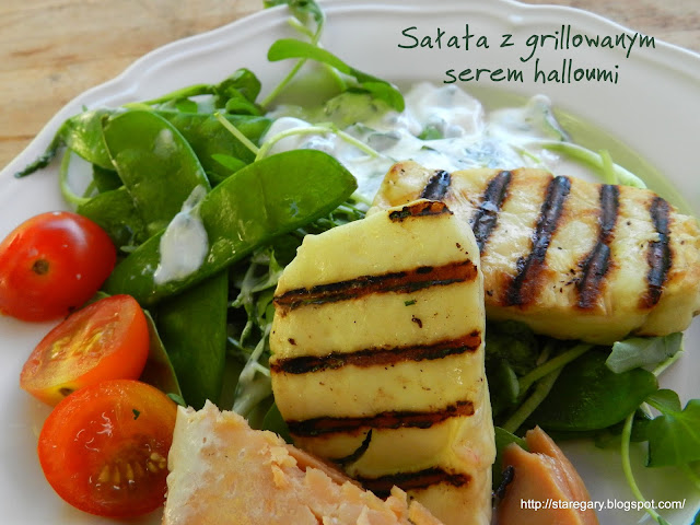 Sałata z grillowanym serem halloumi