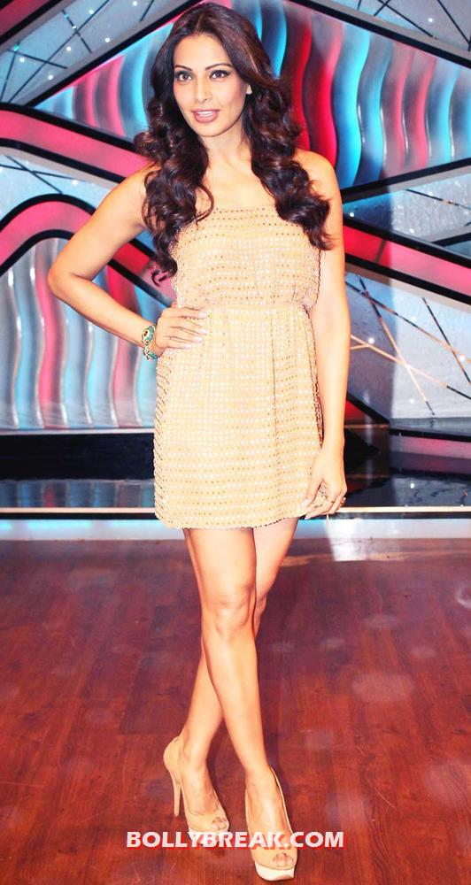 Bipasha Basu Dance India Dance Little Masters - Bipasha Basu on the sets of Dance India Dance Little Masters