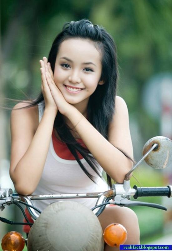Le Hoang Bao Tran, Model Cantik Berusia 14 Tahun Asal Vietnam