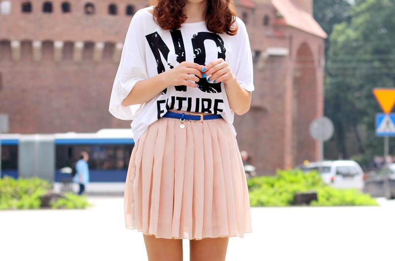 /t-shirt z nadrukiem tiulowa spodnica
