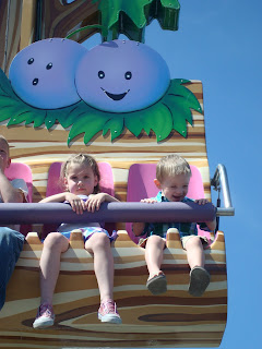 grape ride at bear world