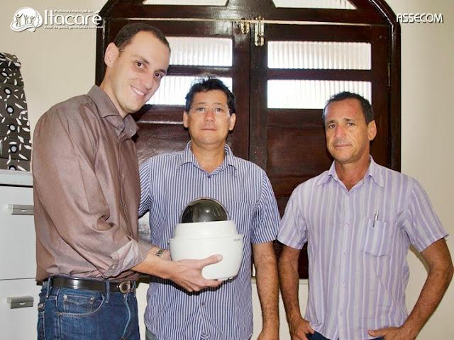 Itacaré recebe câmera de segurança para monitoramento das ruas do município.