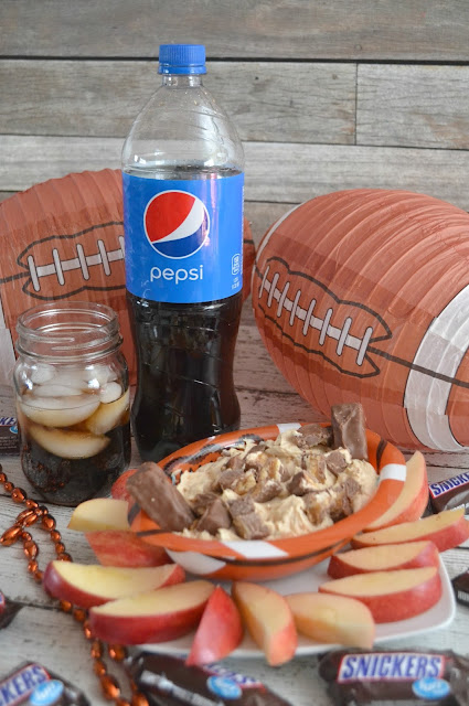 Game Day Snickers® Blitz Dip, Snickers® Blitz Dip, superbowl desserts, game day desserts, easy recipes for superbowl, game day food, Snickers dip, snickers yogurt dip, yogurt dip