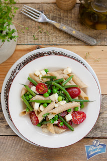 Sałatka z makaronu i fasoli szparagowej