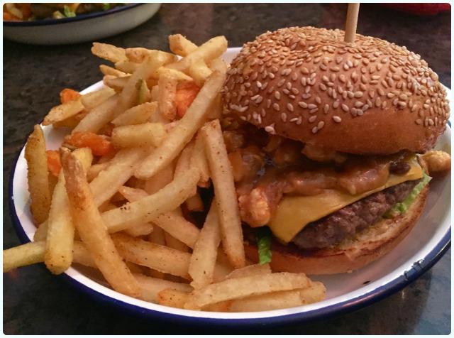 Nolita Cantina - Burger