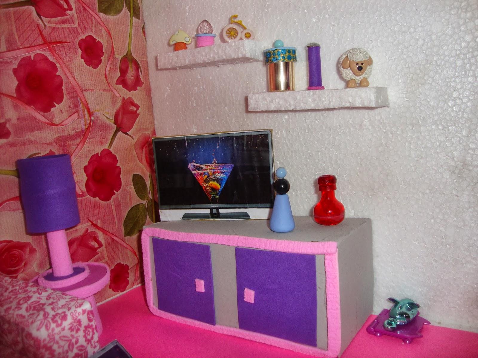 Zenna Arte: CASA DA BARBIE COM MÓVEIS DE E.V.A #A4276F 1600x1200 Banheiro Da Barbie Como Fazer