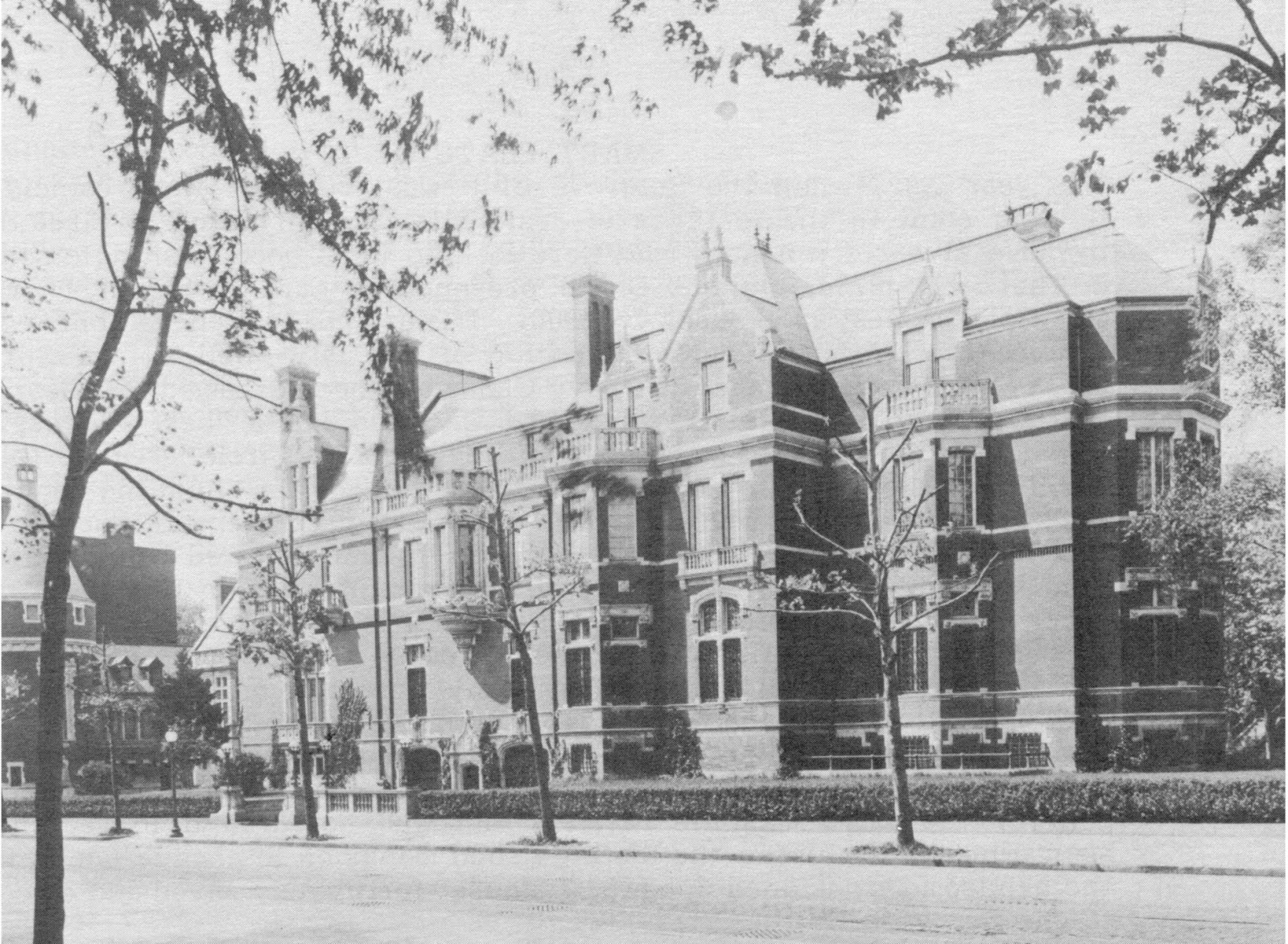 The bradley mansion on dupont circle