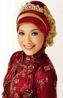 http://berita-21.blogspot.com/2014/05/model-jilbab-dan-kebaya-untuk-wisuda.html
