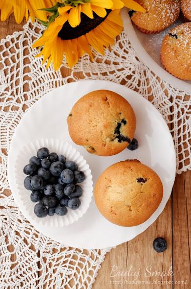 Muffiny waniliowe z borówkami amerykańskimi