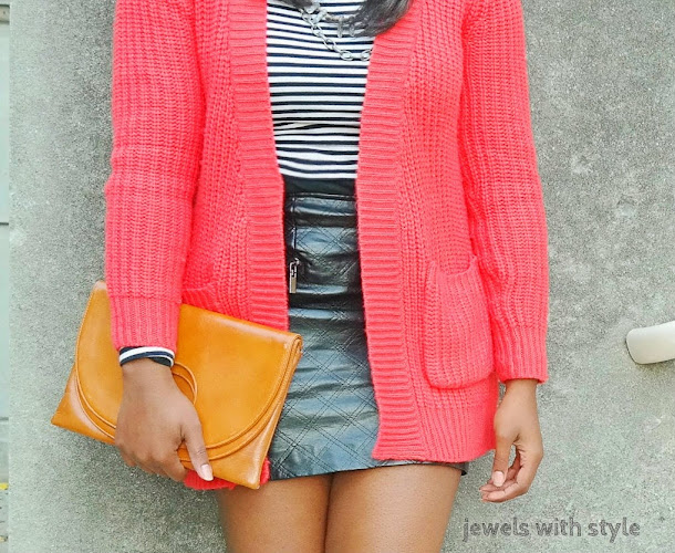 how to style a sweater, how to style a long cardigan, black leather skirt, sweater weather, how to wear a sweater, how to wear a cardigan, sweater with a skirt, chunky sweater, long sweater, jewels with style, black fashion blogger, columbus ohio blogger, fall style tips