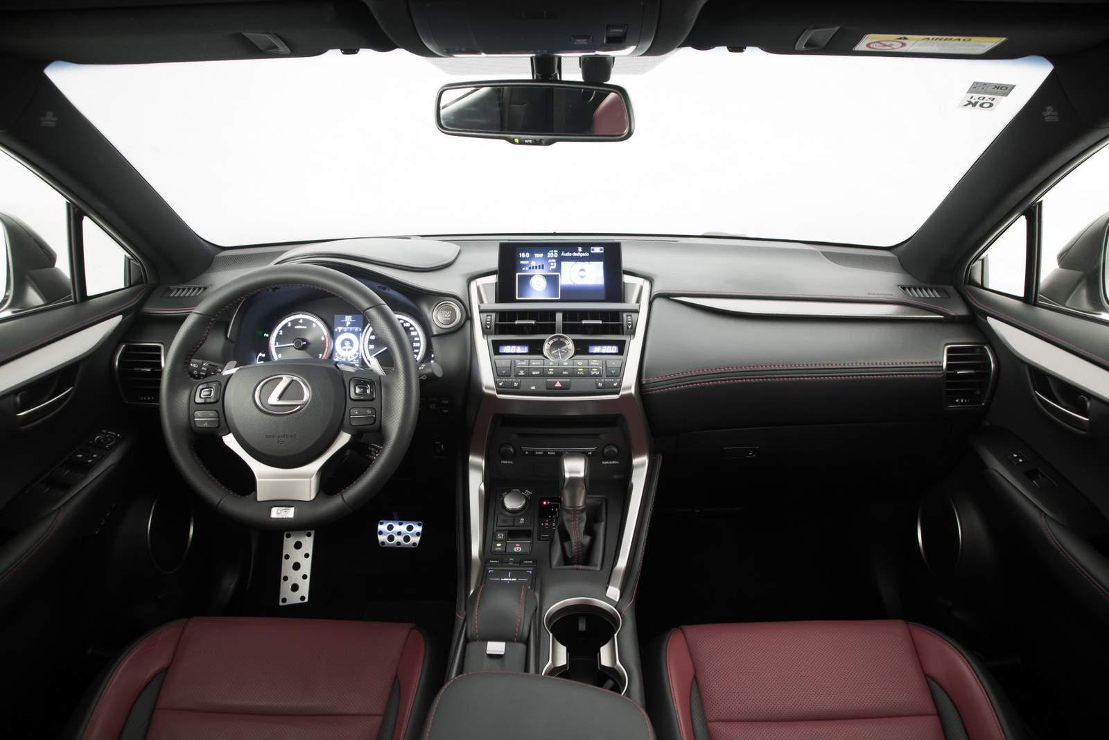 Lexus NX 200t F-Sport - painel