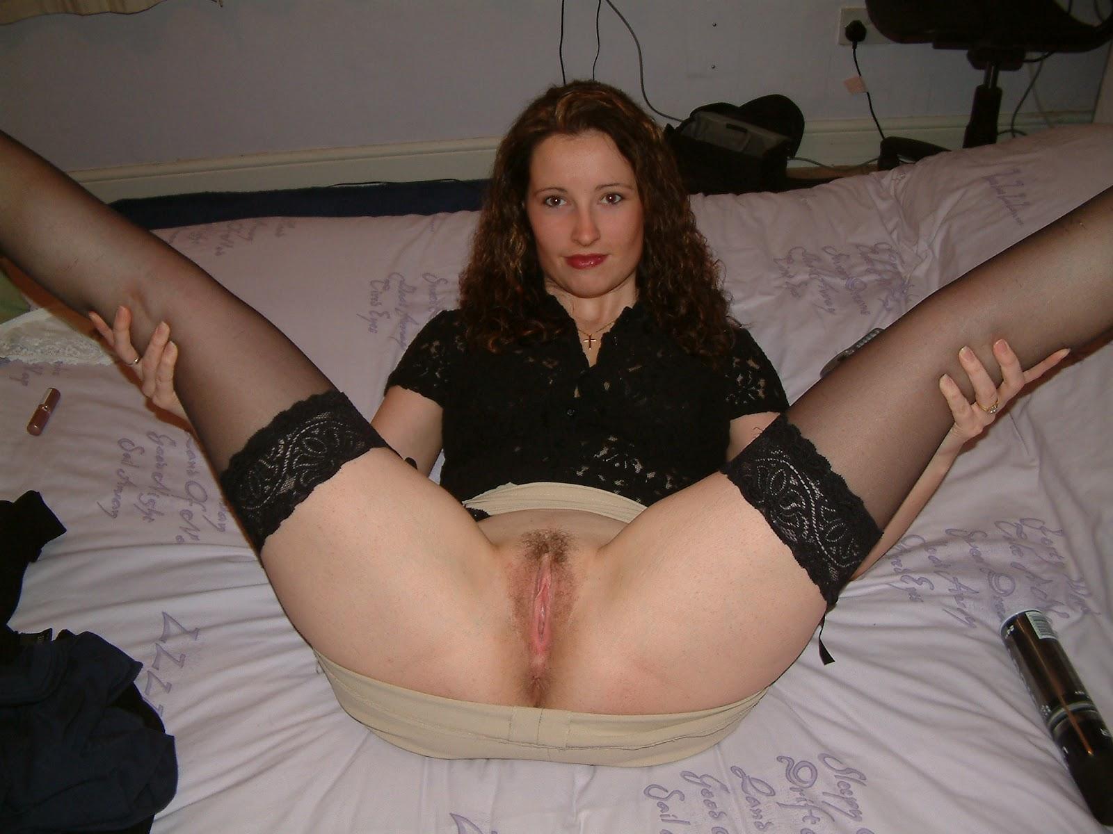 Фото мама расставила ноги подняла юбку 7 фотография