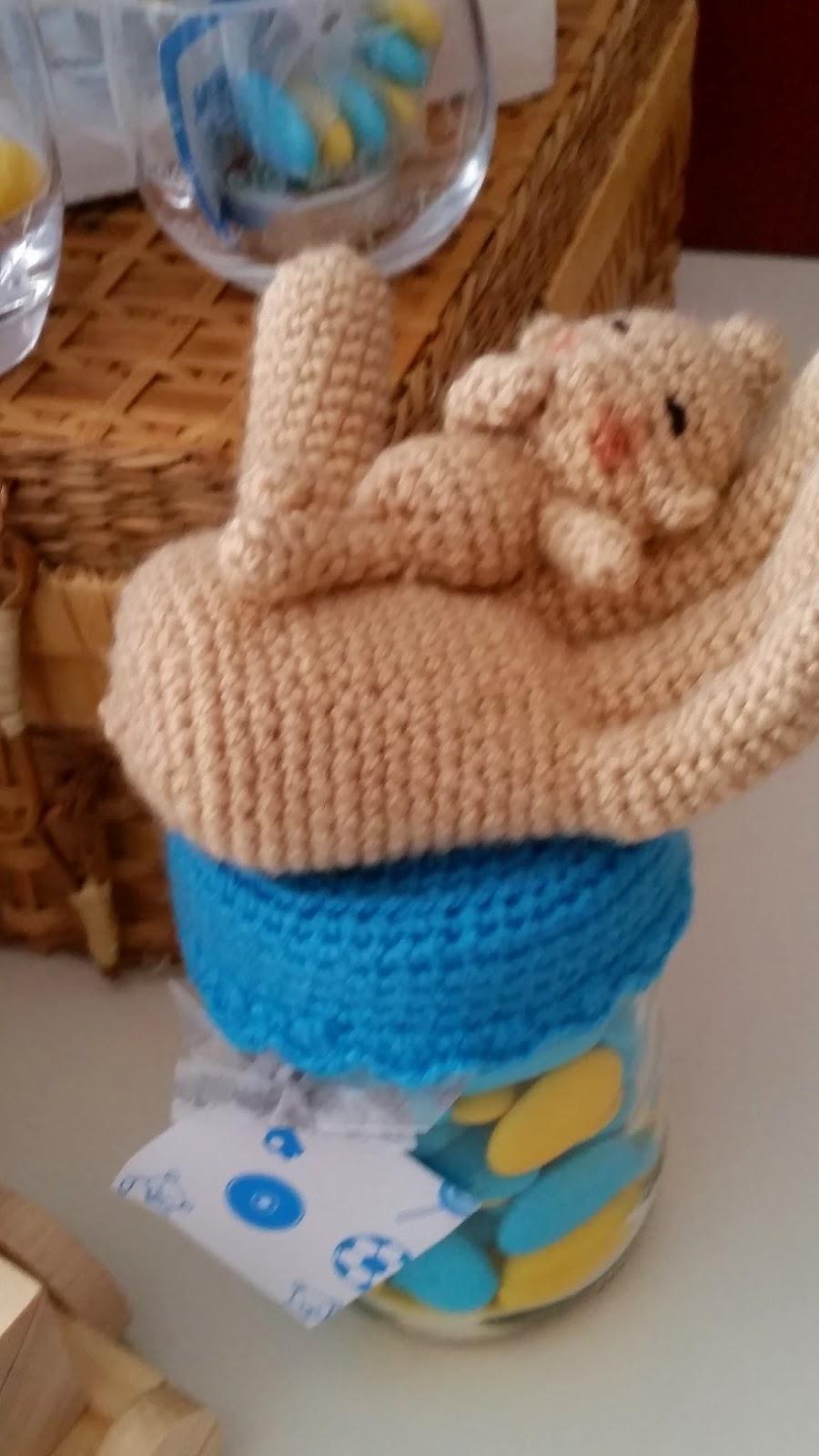 Sonja's creatieve hoekje: Suikerboontjes... met gehaakte hangers ...