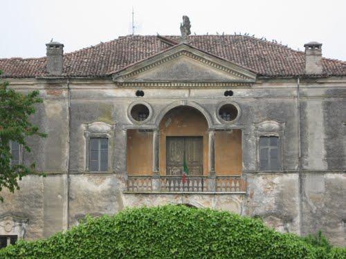 Villa Riesenfeldt-Roncoferraro, località Pontemerlano
