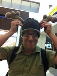 CLICK ON WARREN&#39;S MOOSE HAT TO READ THE GLOWING REVIEWS