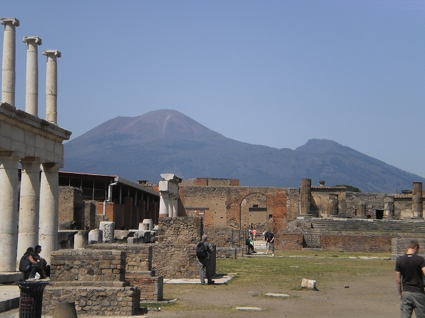 pompeii essay How is this different than pompeii in herculaneum, much organic material is preserved such as wooden structures, food, cloth, cupboards, and upper floors unlike pompeii, herculaneum had all the bodies in one place, huddle close to each other.