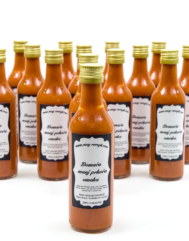 Homemade chili sauce - mild hot close