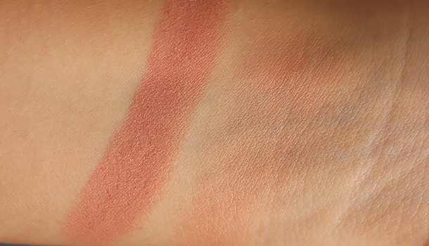 hourglass ambient lighting blush mood exposure swatch nc30