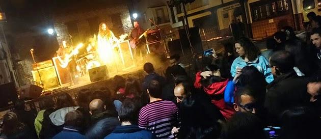 Concierto de NADYE en la plaza mayor de El Torno