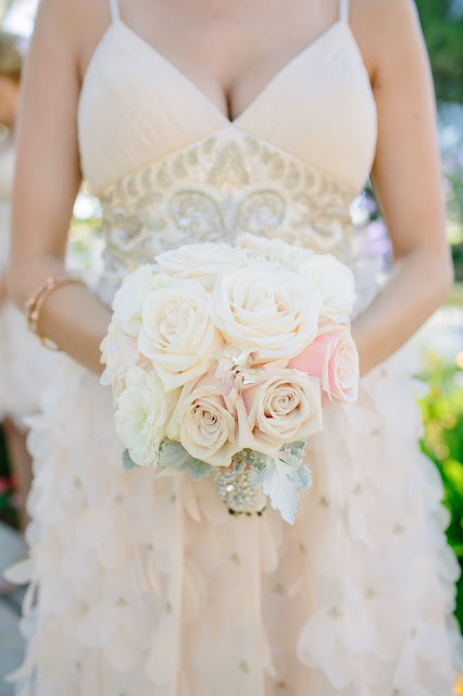 champagne-wedding-bouquets