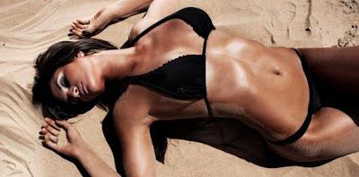 Leryn Franco muy sexy en la playa