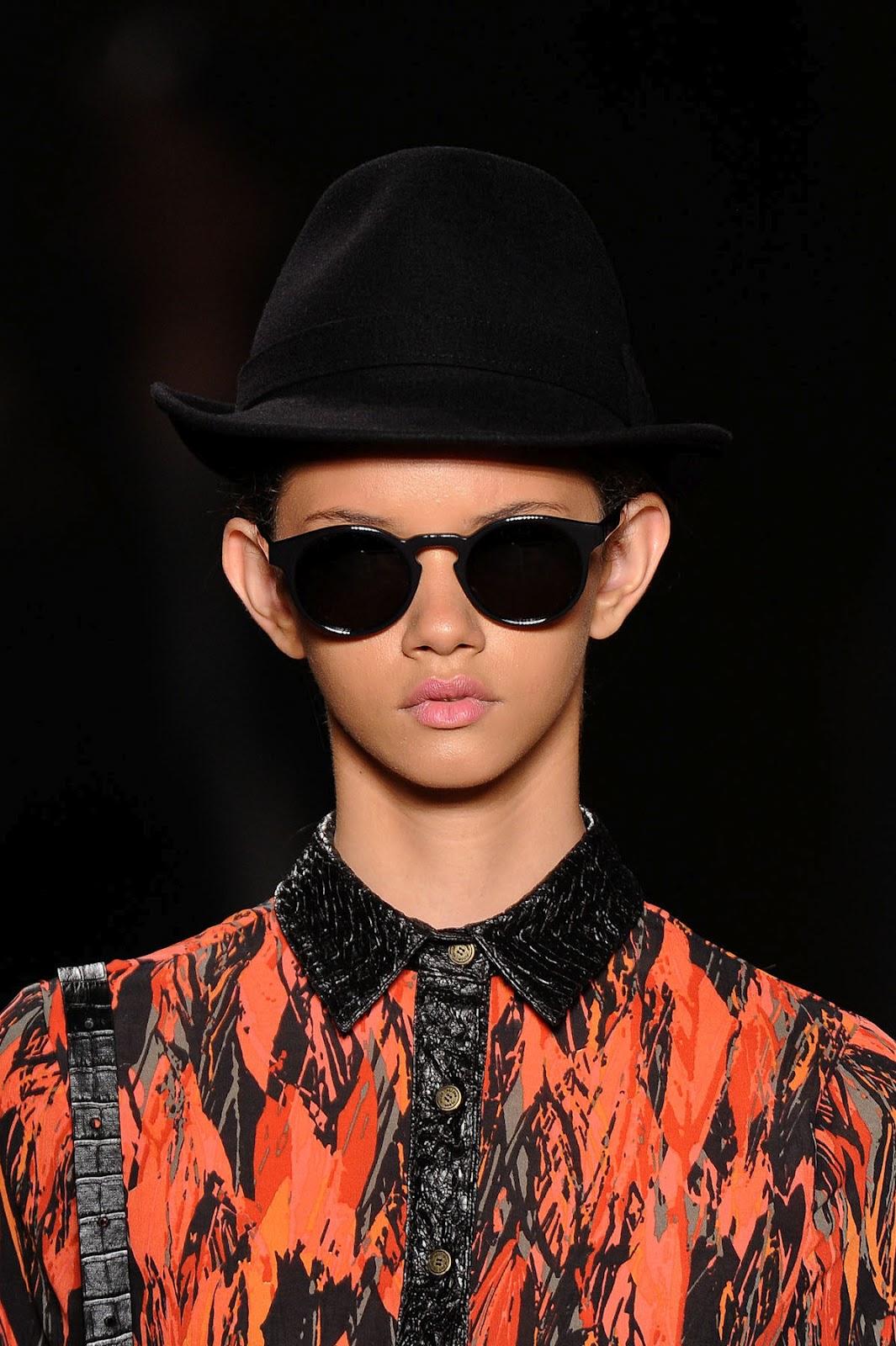 http://3.bp.blogspot.com/-_YDTZ_QLYfQ/UCu5wsKtbMI/AAAAAAAAEOg/Mqj0DAkvlX0/s1600/43+marina+nery+fashion+show+%252840%2529.jpg