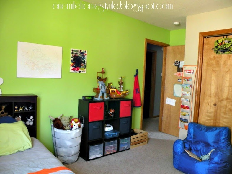 Kids room with spring green accent wall