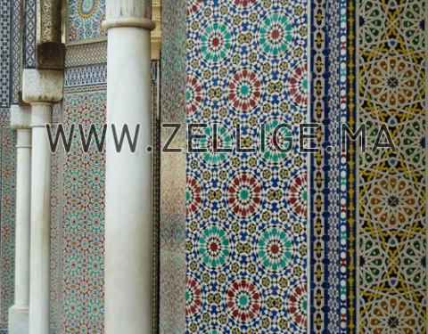 free colonnes et riad en zellige marocain du fes with zellige beldi marocain - Zellige Beldi Une Colonne Dans Un Salon Moderne