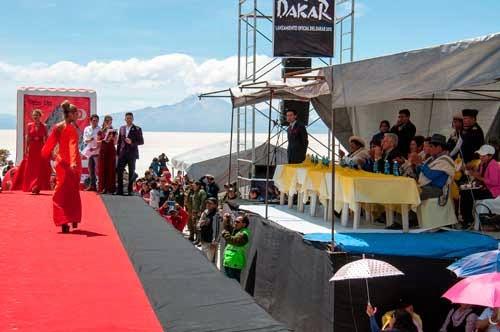 La Isla de Incahuasi de Uyuni se convierte en el sitio de lanzamiento del Dakar 2015 en Bolivia