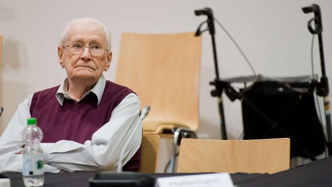 Funcionário de Auschwitz é condenado a quatro anos de prisão