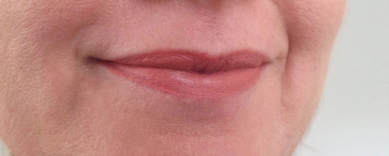 MAC Kinda Sexy Lip swatch