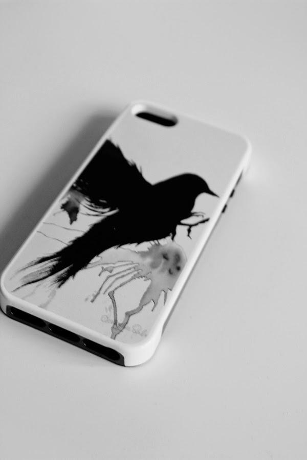 iphoneskal med egen bild, svart fågel, iphone 5s skal, skal till mobilen, skal i svart och vitt, eget motiv på skal till Iphone 5s, svartvitt, egna bilder, fotografier på skal, presenttips,