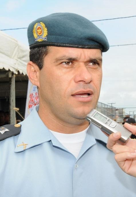 TENENTE CORONEL CARLOS ROLEMBERG, COMANDANTE DO 3º BATALHÃO