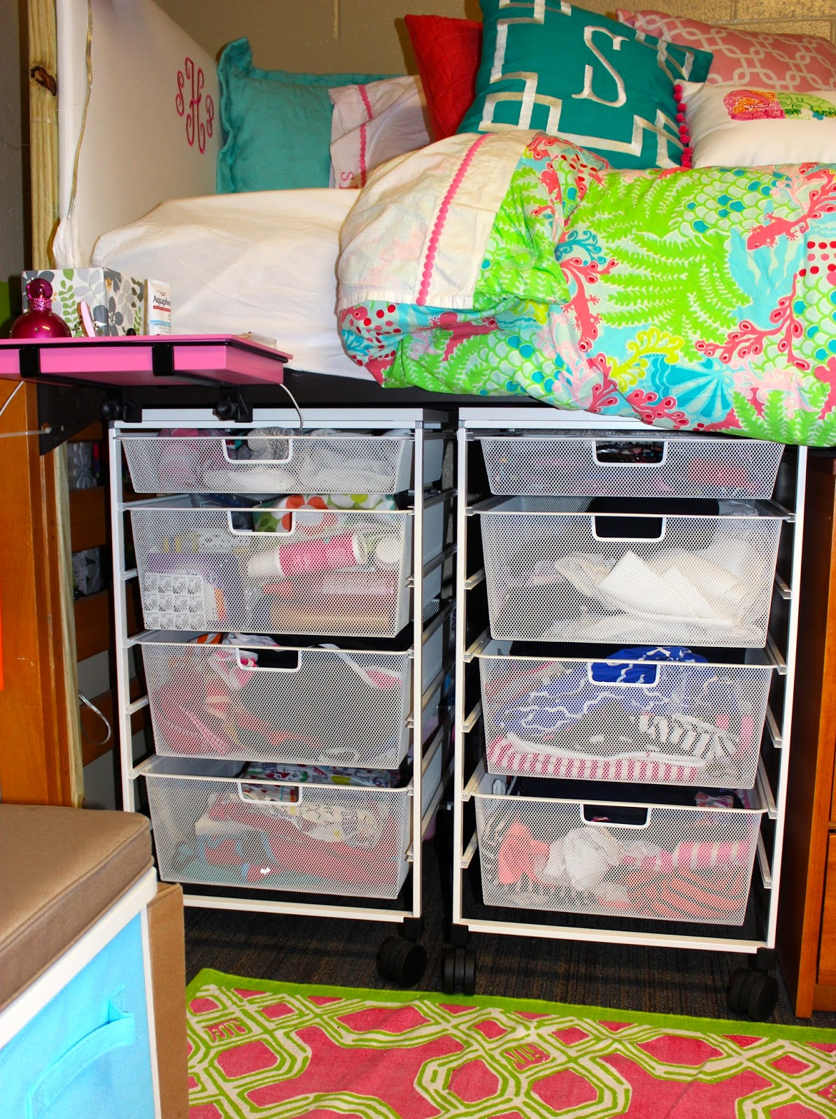 Dorm Room Essentials!  Prep Avenue ~ 160958_Dorm Room Ideas Storage