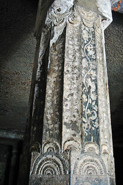 painted pillar ajanta