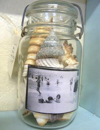 photo display in jar