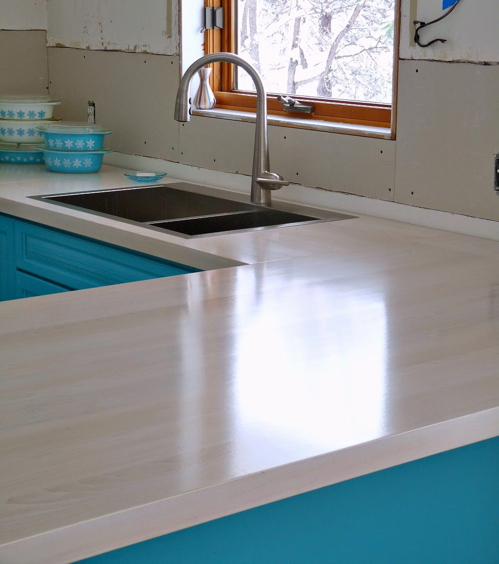 kitchen progress our diy solid wood kitchen counters dans le lakehouse. Black Bedroom Furniture Sets. Home Design Ideas