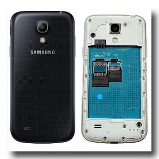 Samsung  Galaxy S4 Mini tampak belakang