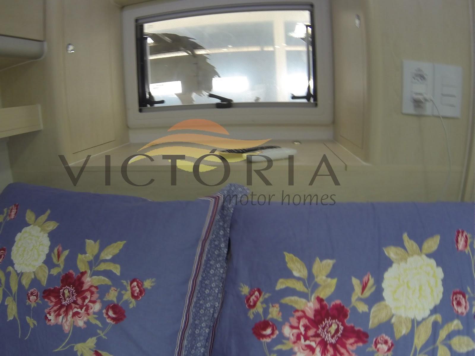 Imagens de #6A353E VICTÓRIA MOTOR HOMES : artniC um motorhome de peso da Victória Motor  1600x1200 px 3666 Banheiros Separados Casal