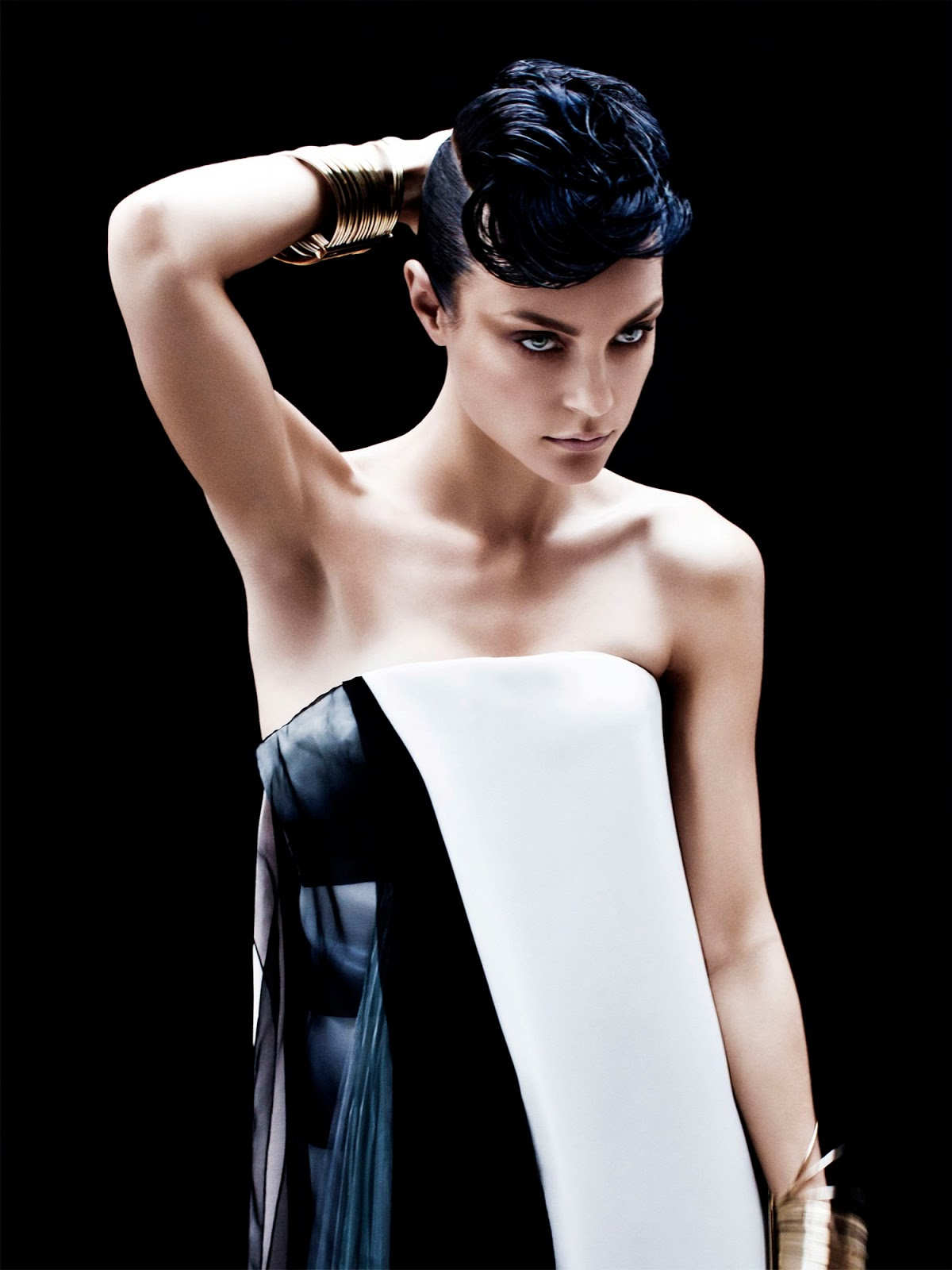 http://3.bp.blogspot.com/-_ZpMGG9HbZE/UPGih5nqBiI/AAAAAAAAfcU/6f_AB-YmJEE/s1600/Jessica+Stam+by+Victor+Demarchelier+%2528An+Inspiring+Generation+-+Vogue+Japan+February+2013%2529.jpg