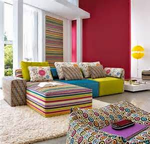 Warna cat dinding yang mampu membuat ruangan terlihat besar