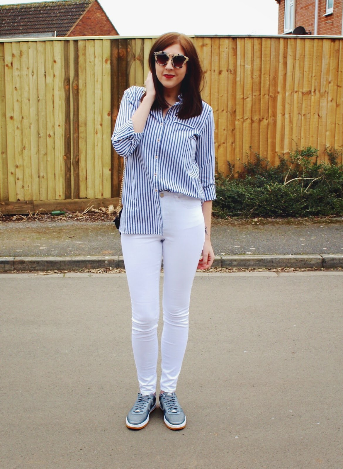 fbloggers, fblogger, ootd, outfitoftheday, lotd, lookoftheday, wiw, whatimwearing, asseenonme, fashion, fashionbloggers, fashionblogger, stripedshirt, springfashion, nike, halcyonvelvet, asos, whitejeans, primark, riverisland