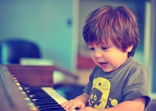 Anak Dan Piano